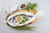 Gilt-head sea bream prepared to be cooked — Stock Photo