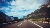 Strada in montagna — Foto Stock