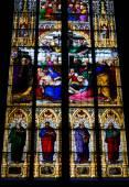 Vitral igreja com tema de pentecostes — Fotografia Stock