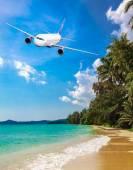 Passenger Airliner flying — Stock Photo