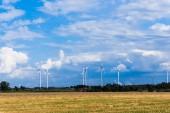 风力涡轮机 — 图库照片