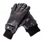 Черные кожаные перчатки. — Стоковое фото