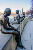 Sculpture Bathers on the Spree — Stock Photo