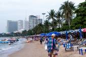 Tourists on  Pattaya beach — Stock Photo