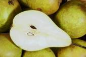 The cut pear — Stock Photo