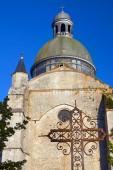 Medeltida kyrka och byggnader — Stockfoto
