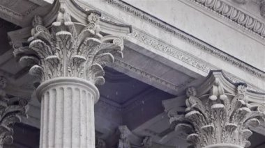 Neoclassical exterior with granite columns — Stock Video