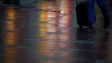 Pavement with pedestrians feet — Stock Video