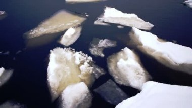 Onego lake and drifting ice at winter day — Stock Video