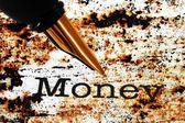 Перьевая ручка на деньги текста — Стоковое фото