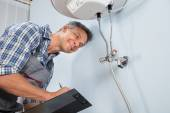 Male Plumber With Clipboard — Stock Photo