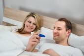 Couple With Pregnancy Test — Stock Photo