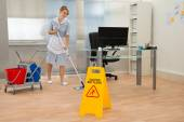 Maid Cleaning Floor — Stock Photo