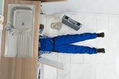 Handyman Repair Sink — Stock Photo