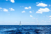 Sailing on sea — Stock Photo