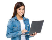 Woman use of laptop — Stock Photo