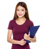 Asian woman in red t shirt — Photo
