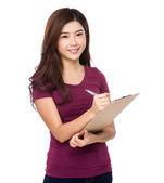 红色 t 恤的亚洲女人 — 图库照片