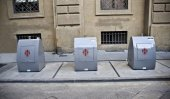 Florence. Containers for separate reception of garbage. — Stock Photo