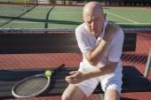 Tenista con dolor de hombro — Foto de Stock