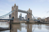 Tower bridge ve thames nehri — Stok fotoğraf