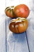 Čerstvá rajčata černé — Stock fotografie