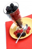 Tasty berry dessert — Stock Photo