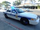 Honolulu Police Department police car lights flash on Ala Moana  — Stock Photo