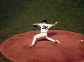 Giants closer Brian Wilson steps forward to throw pitch — Stock Photo