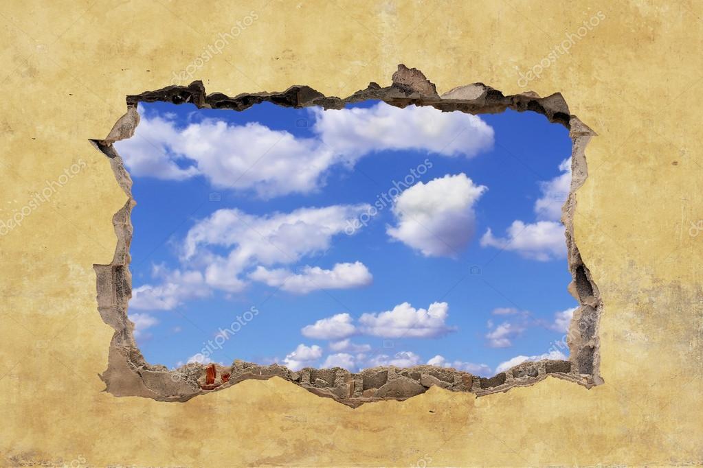 Agujero en la pared foto de stock 65166741 - Agujero en la pared ...