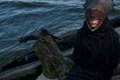 Lady wearing copper mask — Stockfoto