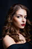 Close-up beauty portrait of sexy brunette — Stock Photo