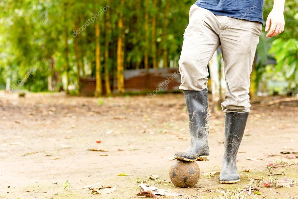 Футбол в сапогах