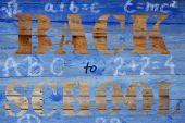 回校上木制的背景 — 图库照片