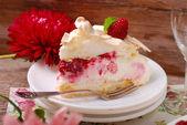 Slice of pavlova cake with raspberries — Stock Photo