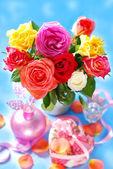 カラフルなバラの花束 — ストック写真