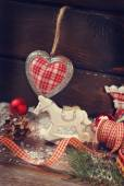 Vintage christmas decoration on wooden background — 图库照片