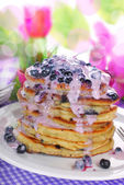American pancakes with blueberry and yogurt — Stock Photo