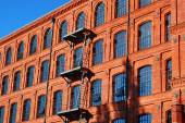Old factory building in Manufactura rebuilt as a hotel in Lodz — Stock Photo