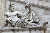 Statue in Fasade of Capitoline Museums — Stock fotografie