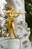 Statue of Johann Baptist Strauss in Stadtpark, Vienna, Austria. — Stock Photo