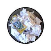 мусорное ведро — Стоковое фото