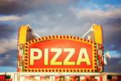 Pizza sign at state fair — Stock Photo