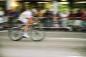 Bicyclist in race — Stockfoto