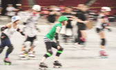Women participating in roller derby — Stock Photo