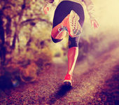 спортивная(ый) пара ног работает — Стоковое фото