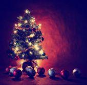Noel ağacı ışıkları ile — Stok fotoğraf