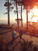 Par igång på sunrise — Stockfoto