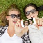 Best friends taking selfies — Stock Photo #60075313