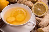 Ginger and lemon tea — Stock Photo